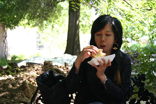indri eating hot dog